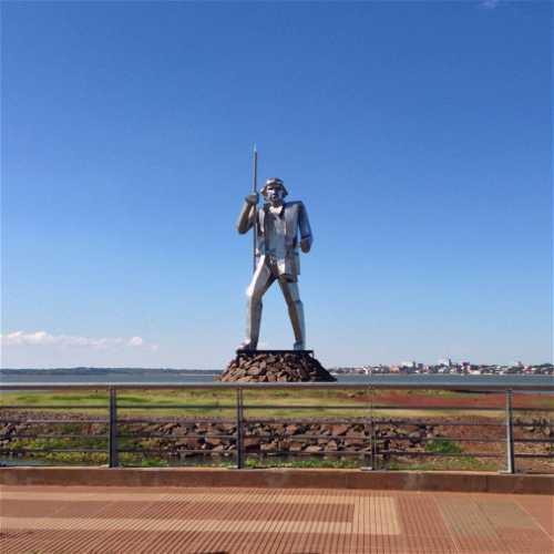 Monumento Andrés Guazurari