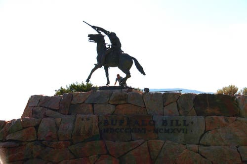 Estatua de Buffalo Bill