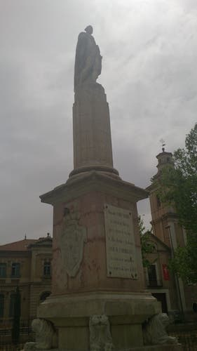 Estatua Ysabel Segunda